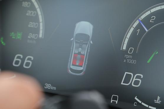 试驾WEY VV5升级款 加装四驱系统+配置升级,体验再升级692.png