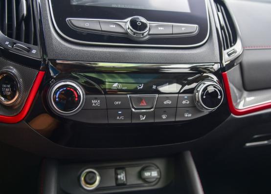 10万起步自主品牌SUV不纠结 哈弗F7对比长安CS552081.png