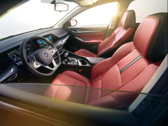 2.13-软文2-造国人需要的好车,逸动PLUS安全品质超合资1104.png