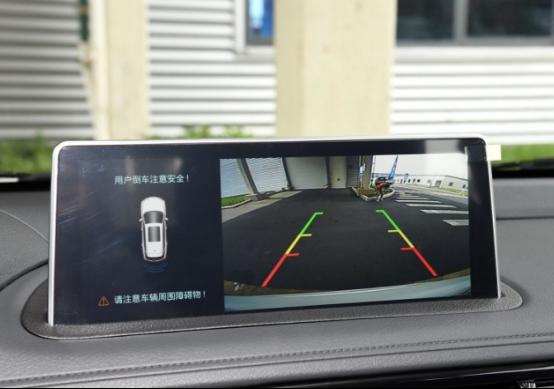 7月新闻3-科技配置一步领先 君马SEEK 5 向豪华品牌SUV看齐(确认)876.png