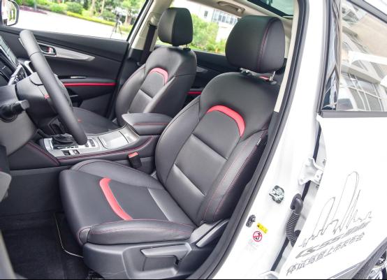 10万起步自主品牌SUV不纠结 哈弗F7对比长安CS552206.png