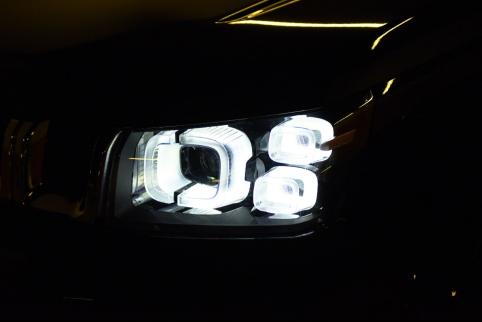 车灯比花灯更有看头,BJ40 PLUS带你体验别样炫酷元宵节0218V1548.png