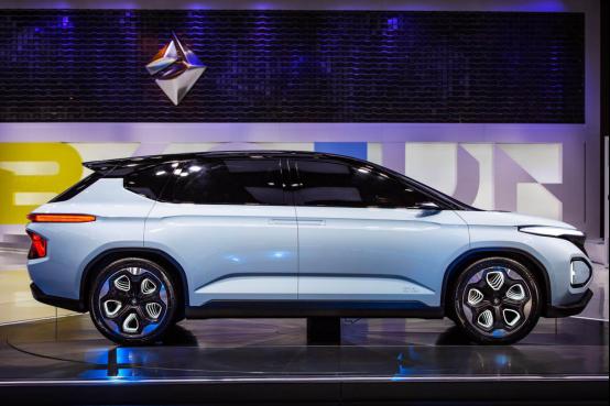 【概念车新闻稿】新宝骏品牌首款概念车型RM-C亮相上海国际车展a492.png