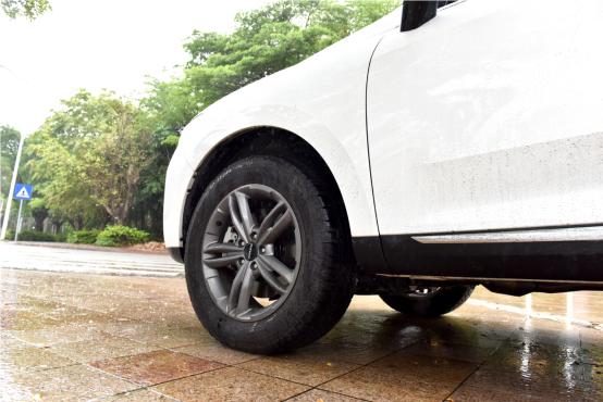 10万起步自主品牌SUV不纠结 哈弗F7对比长安CS551083.png