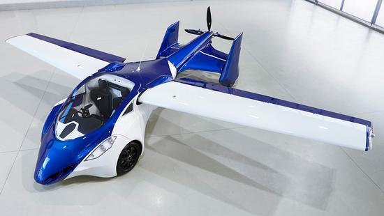 车子可以乘坐两人,作为汽车时最高速度160km/h,变形为飞机时最低速度