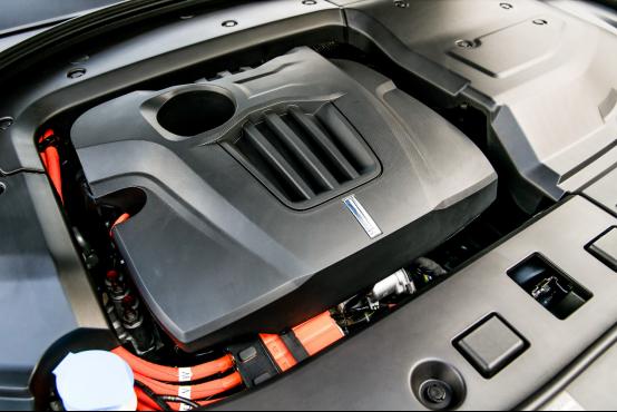 """9月11日P8通发稿三:P8这台插电混动豪华SUV很""""来电""""1056.png"""