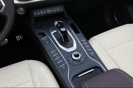 """0914通发稿-""""智""""在必得,VV6将在紧凑型SUV战场掀起狂澜926.png"""