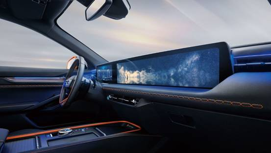 "EVOS智能座舱打造""移动影院""创新体验"